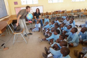 Keith teaches Tanzanian school children about the South Pole.