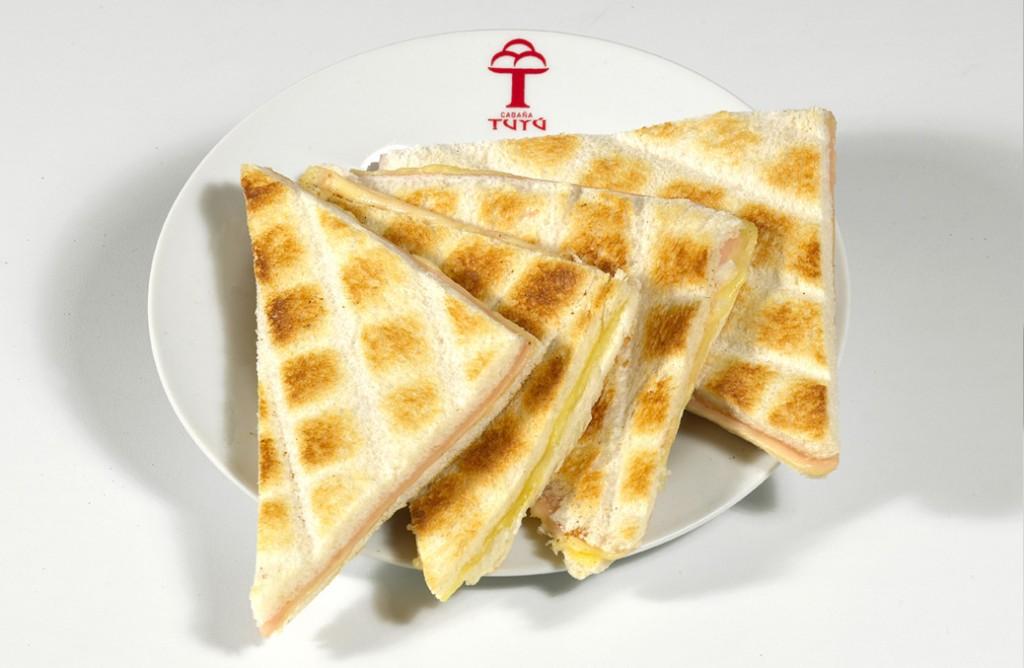 tostada de queso, tostado, prensado de queso, grilled cheese sandwich