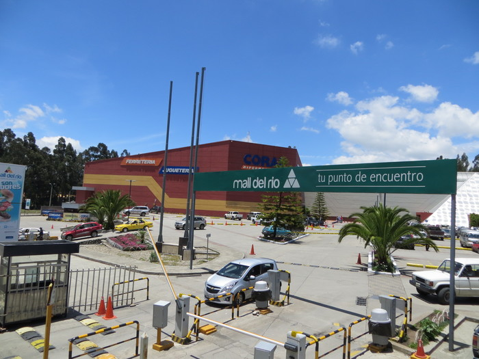 Mall del Rio--Cuenca's shopping mall.